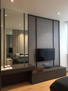 For SaleCondoWitthayu,Ploenchit  ,Langsuan : 28 Chidlom, size 33.5 sq m. Studio room, corner room, city view, east