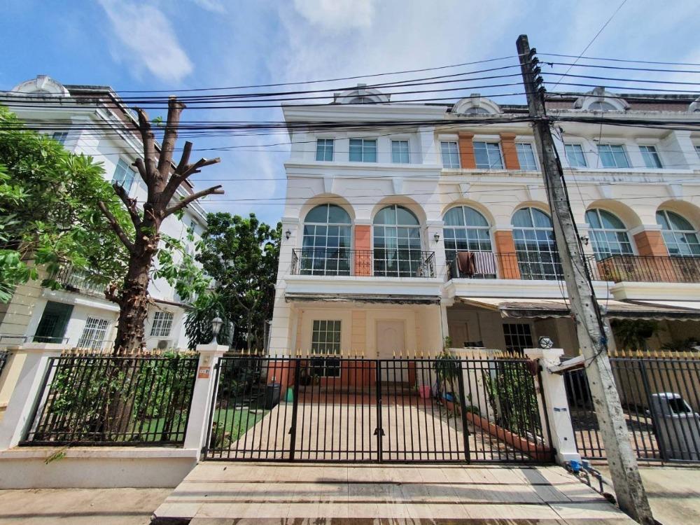 For SaleTownhouseSukhumvit, Asoke, Thonglor : House for sale at Plus City Park Ekamai-Ramintra.