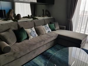 For RentCondoSukhumvit, Asoke, Thonglor : Rhythm Sukhumvit 42 2 bedroom for rent