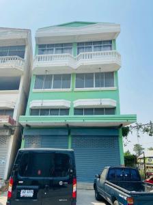 ขายตึกแถว อาคารพาณิชย์ลาดกระบัง สุวรรณภูมิ : อาคารพาณิชย์ 3ชั้นครึ่ง 2 คูหา สามแยกเจ้าคุณทหาร ถนนฉลองกรุง