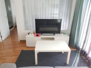 For RentCondoRama9, RCA, Petchaburi : Condo for rent Condo THE PARKLAND GRAND Asoke-Phetchaburi (1 bedroom) NO-21 near MRT Phetchaburi