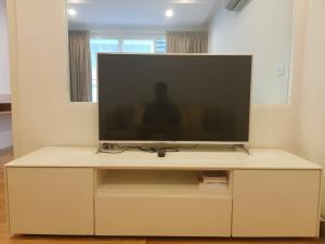 For RentCondoNana, North Nana,Sukhumvit13, Soi Nana : Condo for rent Condo 15 Sukhumvit Residence (1 bedroom) NO-F09 near BTS Nana.
