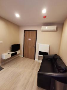 เช่าคอนโดคลองเตย กล้วยน้ำไท : คอนโดให้เช่า คอนโด Metro Luxe เอกมัย-พระราม 4  (1 ห้องนอน) NO-F05 ติด ม.กรุงเทพ ใกล้รถไฟฟ้า BTS เอกมัย