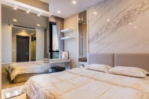 For RentCondoSukhumvit, Asoke, Thonglor : Condo for rent Ashton asoke, high floor, good view, fully furnished.