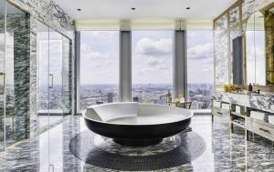 ขายคอนโดสาทร นราธิวาส : ★☆ The Ritz-Carlton Mahanakorn Penthouse 531 Sqm. Sale with Tenant - Price Negotiable ★☆