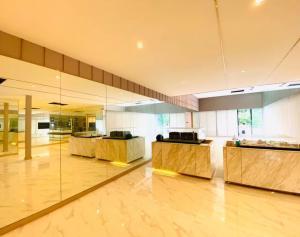 For RentShowroomSukhumvit, Asoke, Thonglor : For rent, showroom, Phrom Phong, Sukhumvit, clinic, spa, studio, cafe, office, parking.