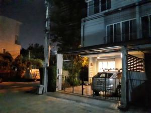 For RentTownhouseRama 2, Bang Khun Thian : 3-storey townhome for rent, Soi Rama 2 33, near BTS Talat Phlu and Wongwian Yai.