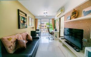 เช่าคอนโดสีลม ศาลาแดง บางรัก : Urgent Rent ++ 2 Bedroom ++ MRT Lumpini ++ Big Balcony ++ Free Wifi ++ Available @ 18900 🔥🔥