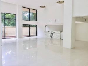 For RentShowroomSukhumvit, Asoke, Thonglor : 📍For rent Shop   Office   Showroom   Studio Thonglor, Phrom Phong, Sukhumvit   Parking for 12 cars