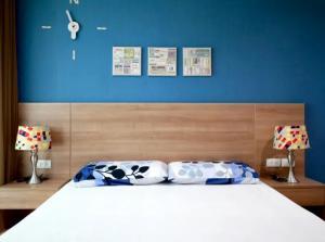 ขายคอนโดสะพานควาย จตุจักร : ขายคอนโด Rhythm Pahol-ari 1 ห้องนอน ชั้นสูง ราคาต่ำกว่าตลาด (S2433)