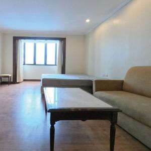 ขายคอนโดนานา : อยู่เองหรือลงทุนก็คุ้มยิ่งกว่าคุ้ม! ได้ห้องไซส์ใหญ่ใจกลางเมืองในราคาโคตรถูก 📞  062-515-4297 เอ็ดเวิร์ด