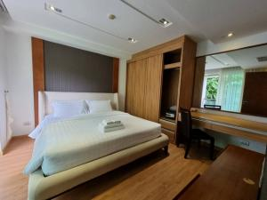 For SaleCondoPhuket, Patong : NAI516 for sale, The Privilege at Bay Cliff Patong, 3rd floor, near Patong Beach 4.5 MB.