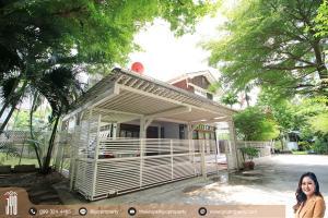 For RentTownhouseSukhumvit, Asoke, Thonglor : JY-HR003- 2 storey detached house for rent, Sukhumvit 24, size 300 sq.m., room type, 5 bedrooms, 4 bathrooms, near BTS Phrom Phong.