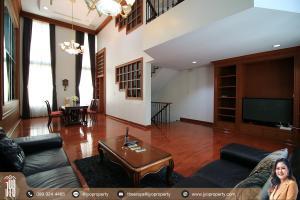 For RentHouseSukhumvit, Asoke, Thonglor : JY-HR004-Baan Klang Krung Thonglor for rent, fully furnished, ready to move in, Sukhumvit 55, 4 and a half storey, 400 sq.m., 4 bedrooms, 6 bathrooms, near BTS Thonglor.