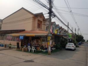 เช่าทาวน์เฮ้าส์/ทาวน์โฮมบางใหญ่ บางบัวทอง ไทรน้อย : ให้เช่าบ้านหลังมุม พร้อมทำเลขายของ อำเภอไทรน้อย จังหวัดนนทบุรี