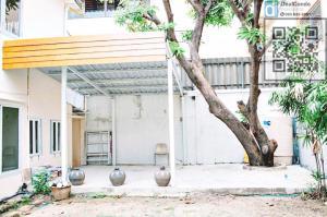 For RentHouseRatchadapisek, Huaikwang, Suttisan : House for rent, Yu-Charoen village Ratchada Soi 3, beautiful house, great location