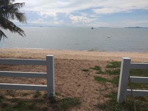 For SaleLandPattaya, Bangsaen, Chonburi : Land for sale, private beach, Pattaya, Bang Saray, 2 rai 2 ngan 35 sq m.