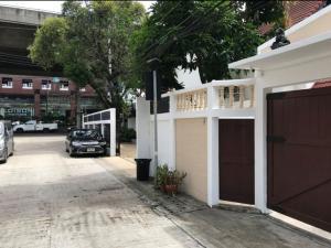 เช่าโฮมออฟฟิศพระราม 9 เพชรบุรีตัดใหม่ : Home Office ให้เช่า ซอยพระรามเก้า 52 บ้านเลขที่ 5 พื้นที่ 99 ตรว.