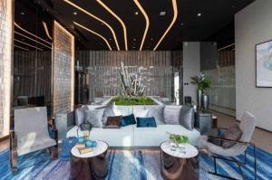 เช่าคอนโดพระราม 9 เพชรบุรีตัดใหม่ RCA : Urgent Rent ++ Life Asoke Rama 9 ++  Airport Link ++ Good Decor ++ High Floor ++ Available @33000 🔥🔥