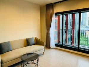 For RentCondoRama9, RCA, Petchaburi : ❤️🔥Life Asoke Hype 2 bedrooms, pool view, no block view, largest size 60 sq m. For rent only 28,000 baht, this price must hurry 🔥🔥🔥