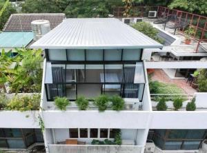เช่าโฮมออฟฟิศสุขุมวิท อโศก ทองหล่อ : 📍ปล่อยเช่าทาวน์โฮม | Home Office     EMQUARTIER | BTS พร้อมพงษ์      สวนลอยฟ้า | สวนหลังบ้าน | 1 จอด