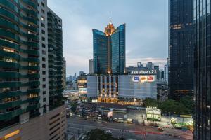 เช่าคอนโดสุขุมวิท อโศก ทองหล่อ : Urgent Rent ++ Branded Residence ++ Good Decor ++MRT & BTS Asoke ++ Available @ 70000 Negotiable 🔥🔥