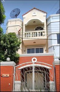เช่าทาวน์เฮ้าส์/ทาวน์โฮมรัชดา ห้วยขวาง : LBH0234 ให้เช่าทาวโฮม 3 ชั้น  ประชาอุทิศ 21 ใกล้ KIS International School