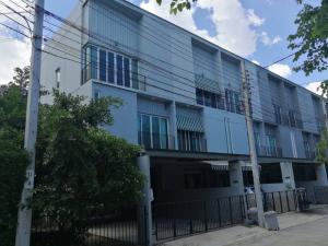 ขายทาวน์เฮ้าส์/ทาวน์โฮมเอกชัย บางบอน : ขายทาวน์โฮม 3 ชั้น หมู่บ้านพาทิโอ พระรามสอง บ้านสวย สภาพนางฟ้า