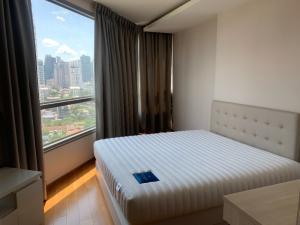 เช่าคอนโดสุขุมวิท อโศก ทองหล่อ : ให้เช่าห้องชุดพักอาศัย เอช สุขุมวิท 43 ใกล้ BTS พร้อมพงษ์ H Sukhumvit 43 condo for rent