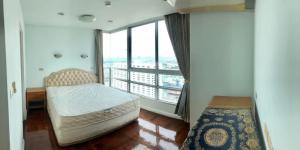 For RentCondoRatchathewi,Phayathai : For rent Baan Pathumwan, near BTS Phaya Thai, good location, ready to move in.