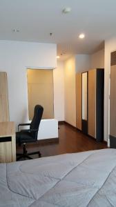 For RentCondoRama9, RCA, Petchaburi : Hot deal for rent, supalai premier asoke condo, near BTS, high floor, wide room, fully furnished