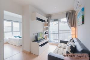 For RentCondoBangna, Lasalle, Bearing : 2 bedrooms @Deco At bearing Sukhumvit 70/5 New condo beautful room with Good price