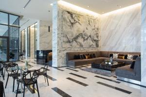 For RentCondoRama9, RCA, Petchaburi : Rent Life Asoke, size 29 sqm., city view, fully furnished!!