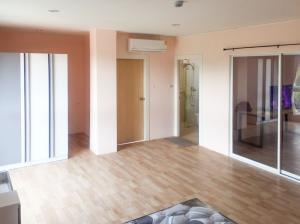 For RentCondoChiang Mai : Condo room for rent, Chayayon Condo, near CMU, Suthep, Chiang Mai