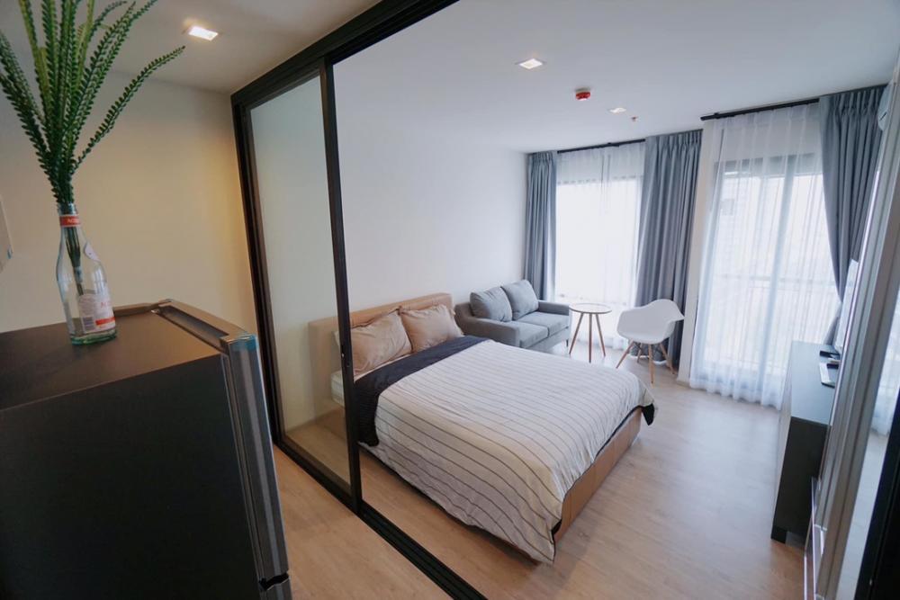 For RentCondoSukhumvit, Asoke, Thonglor : NC-R896 For rent Rhythm Sukhumvit 36-38 Studio room size 24.5 sqm. Floor 15, double doors, new room, fully furnished.