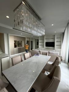 For RentCondoWitthayu,Ploenchit  ,Langsuan : Noble Ploenchit Duplex 3 Br.