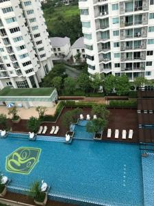 For RentCondoRatchadapisek, Huaikwang, Suttisan : The last room is out of reservation!! Supalai Wellington 1 Building 7 High Floor Pool View Special Price!! There is no better price!!