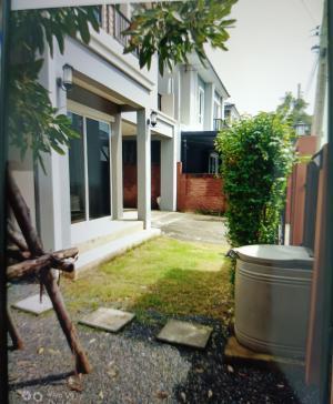 เช่าบ้านพัฒนาการ ศรีนครินทร์ : House for rent 45,000b month 121 sqm 38 sqw  3 bed 2 bath coner house 2 car parksoi 38 pattanakarn (callme) 0938563451 id (line) k.noeywalsh