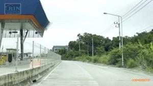 ขายที่ดินพัทยา บางแสน ชลบุรี : ขายถูกที่ดิน 17-3-35 เมืองชลบุรี จังหวัดชลบุรี ไร่ละ 2 ล้านบาท  ติดคู่ขนานหมายเลข7 ด่านเก็บเงินบางพระ หน้ากว้าง 60 เมตร ที่ดินเสมอถนน โอกาสทองนักลงทุนแปลงนี้ไม่ควรพลาดเหมาะสำหรับทำโรงงาน คลังสินค้า ศูนย์กระจายสินค้าลานจอดตู้คอนเทนเนอร์