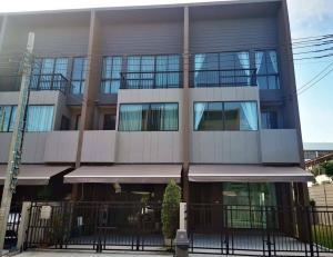 เช่าทาวน์เฮ้าส์/ทาวน์โฮมเสรีไทย-นิด้า : ให้เช่า บ้านกลางเมือง ลาดพร้าว เสรีไทย ทาวน์โฮม 3 ชั้น