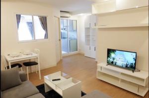 For RentCondoOnnut, Udomsuk : ZENITH PLACE S42 | BTS Phra Khanong (450m) #RE0098 | 1BR/1BT | 43sqm | 1YL