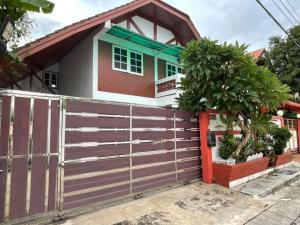 For RentHouseOnnut, Udomsuk : ให้เช่า บ้านเดี่ยวหลังใหญ่ ทำเลดี ซ.ปรีดี 42 <พระโขนง>