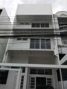 For RentTownhouseRatchadapisek, Huaikwang, Suttisan : 3-storey townhome for rent, Sutthisan Winitchai. Soi Udomkiat, near MRT Sutthisan 700 meters