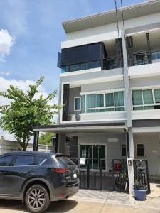 For RentTownhouseNawamin, Ramindra : 3-storey townhome for rent, Watcharaphon, Ramintra, behind the corner, near Sukhaphiban 5 Expressway