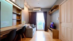 For RentCondoSamrong, Samut Prakan : Fully furnished Parkland Lite, Sukhumvit-Paknum Condo for Rent fully furnished (heading North) 6th floor with swimming pools - garden and city view, with approximate, 28 sqm. (1 bedroom, 1 living room, 1 bathroom and buit-in kitchen corner).