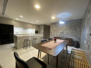 เช่าบ้านสุขุมวิท อโศก ทองหล่อ : For Rent Quarter31 Type A5 5 bed 4 bath 425 sqm