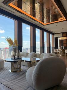 ขายคอนโดสาทร นราธิวาส : SC8001 ให้เช่า/ขายคอนโด The Ritz-Carlton Residences, Bangkok คอนโดสุดหรู กลางสาทร