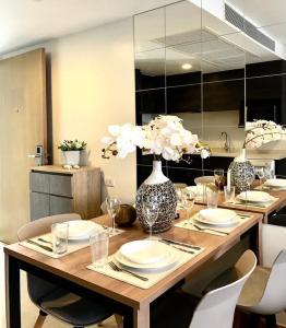 For RentCondoSukhumvit, Asoke, Thonglor : Downtown 49 for rent  2 Bedroom hot price
