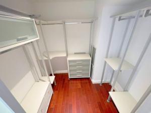 For SaleCondoWitthayu, Chidlom, Langsuan, Ploenchit : For Sell Athenee Residence 2 Bedrooms High Floor