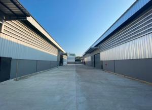 เช่าโกดังเอกชัย บางบอน : For Rent ให้เช่าโกดัง พร้อมสำนักงาน พื้นที่ 300 ตารางเมตร สร้างใหม่ ติดถนนบางบอน 4 ห่างถนนกาญจนาภิเษก 5 กิโลเมตร ทำเลดี รถใหญ่เข้าออกได้